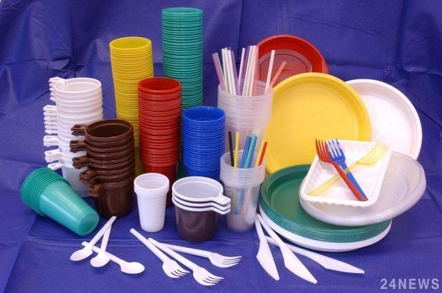 Франция к 2020г. на100% освободится от пластмассовой посуды