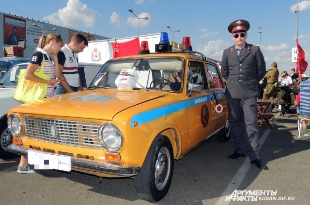 А это один из отечественных первопроходцев - ВАЗ-2101, который в простонародье называют «копейка».