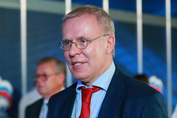 Первый заместитель председателя комитета Совета Федерации по социальной политике Вячеслав Фетисов.
