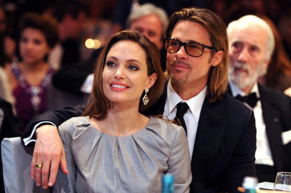 О своей помолвке Анджелина Джоли и Бред Питт объявили в 2012 году.