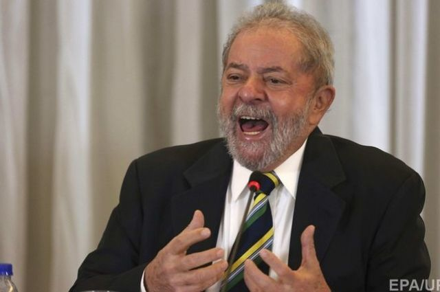 Прежнего президента Бразилии будут судить завзятки