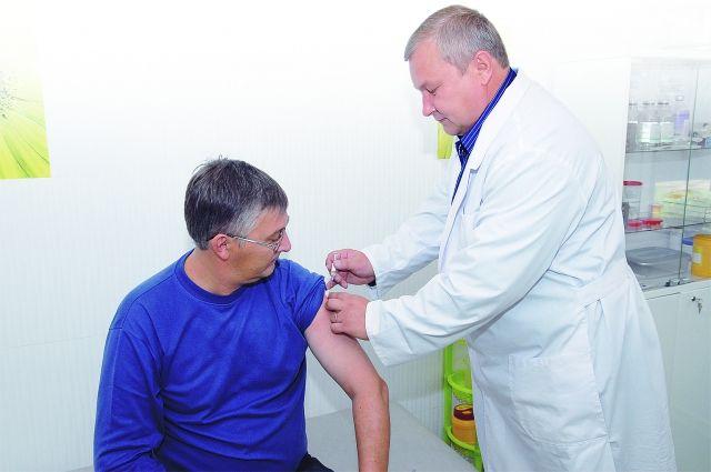 На предприятия Калининграда направят выездные прививочные бригады.