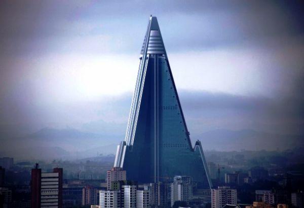 Пустующий отель «Рюген» в столице Северной Кореи имеет 105 этажей, на которых никто не проживает