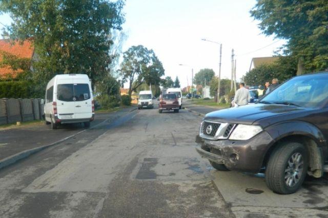 Шесть человек пострадали в ДТП с маршруткой в Калининграде.