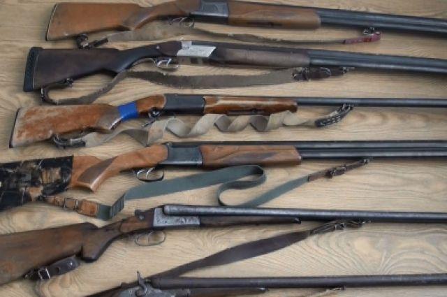 Петербуржцы и граждане области сдали вполицию неменее 100 единиц оружия