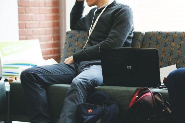 70% петербургских студентов - приезжие.