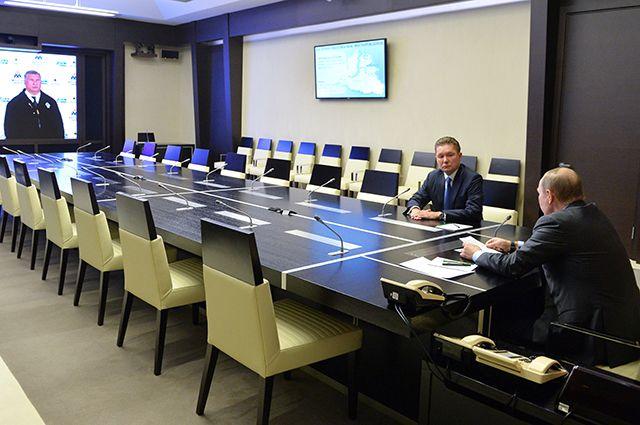 Руководитель «Роснефти» попросил Владимира Путина ввести льготы для нефтяников