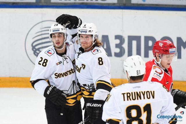 «Северсталь» одолела «Автомобилист» ипрервала серию из9 поражений подряд вКХЛ