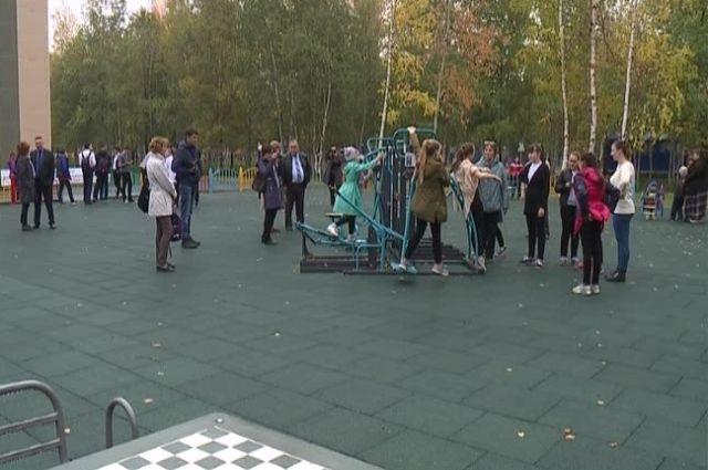 ВНефтеюганске возникла игровая площадка для детей сограниченными возможностями