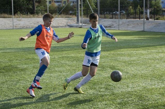 ВВолгограде выбирали игроков в«народную команду» футболистов