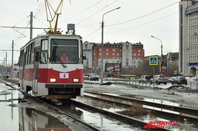 Женщина вКазани угодила под трамвай из-за девайса