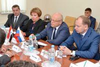 Губернатор Виктор Назаров подчеркнул важность международного сотрудничества.