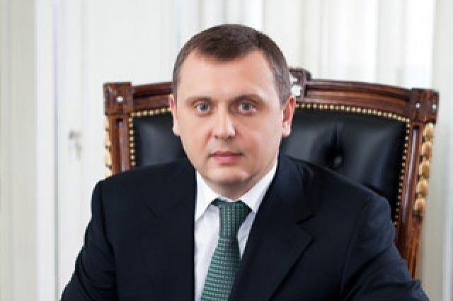 Уличенного ввымогательстве взятки члена ВСЮ приняли решение отправить вотпуск