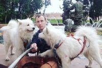 28-летний Николай и его собаки Дени и Пени начали свою кругосветку.