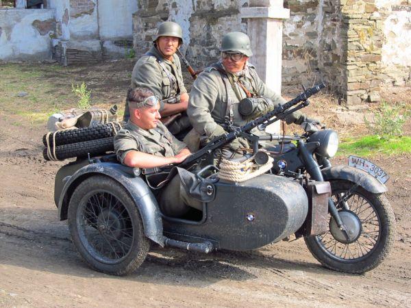 «Лучший ретро-мотоцикл». 2 место -  BMW R12, Ростов-на-Дону.