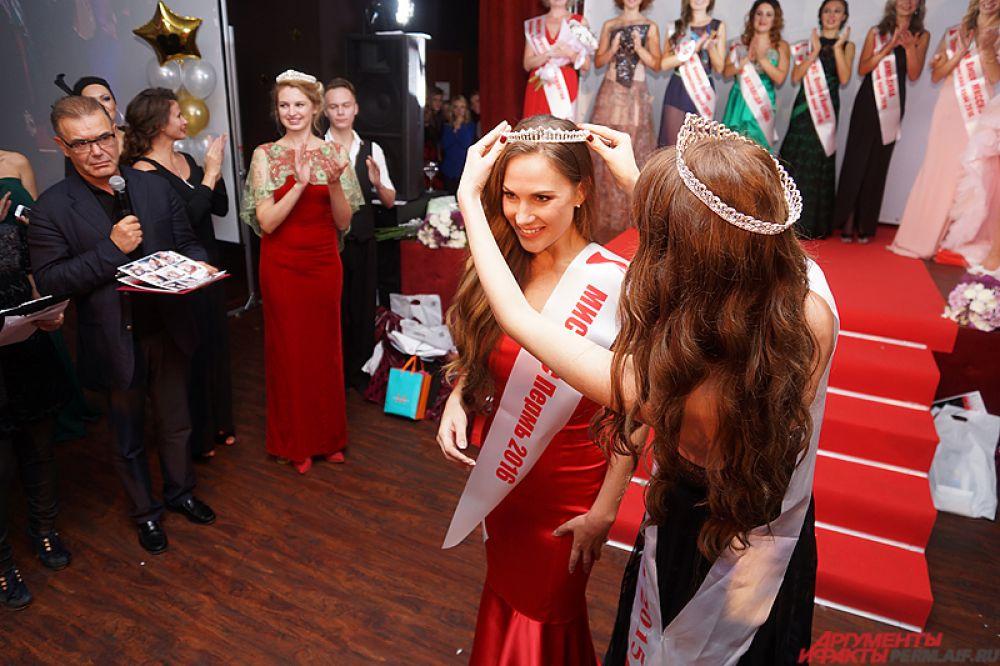 Главную же награду завоевала 33-летняя Анна Каменских – она стала «Миссис Пермь».