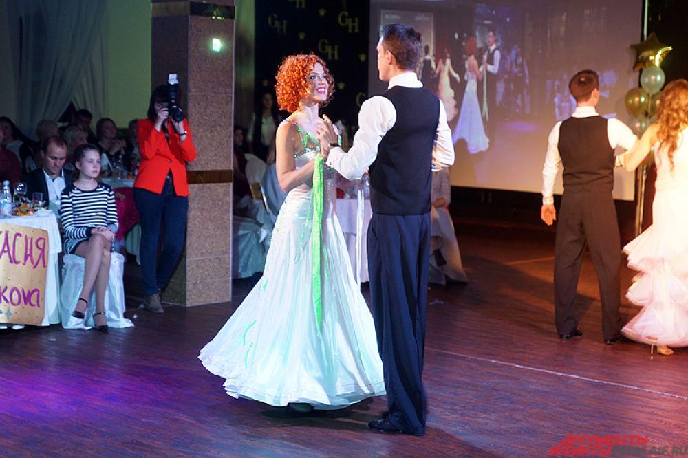 Несколько творческих номеров были посвящены танцам.
