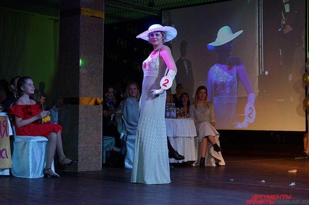 Каждое платье создавалось исключительно под модель пермскими дизайнерами.