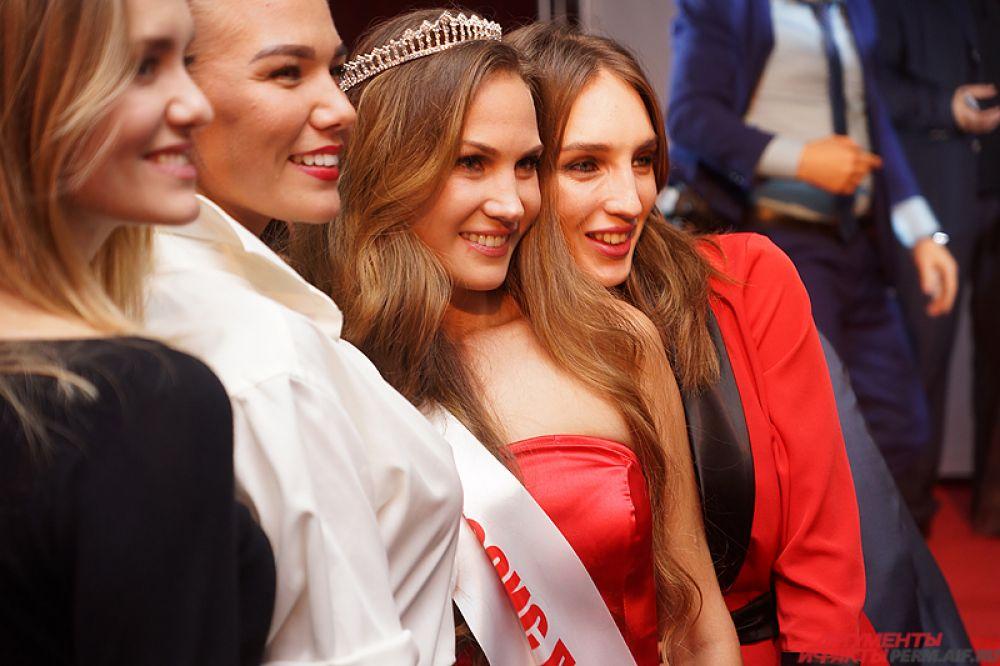 Красавица в ближайшее время будет готовиться к всероссийскому конкурсу «Миссис Россия», который пройдёт в Москве.