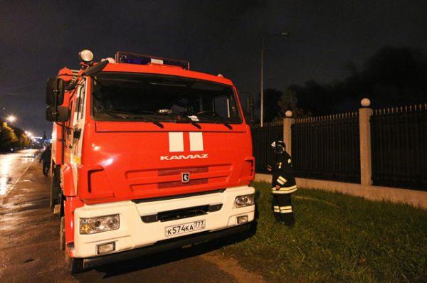 Очевидцы происшествия – работники склада подтвердили, что постоянно оставляли включенными обогреватели. Это могло привести к перегрузке электросети и, как следствие, возгоранию.