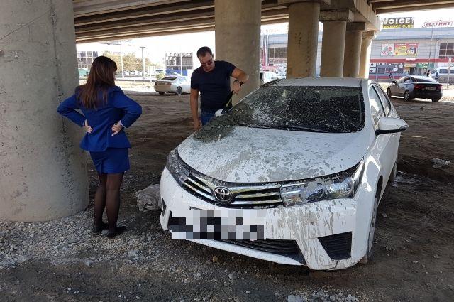 ВВолгограде автомобиль обвинителя залили бетоном
