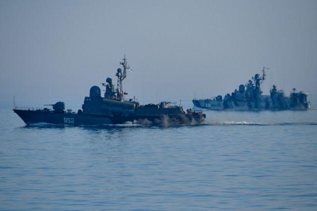 На фото: боевые корабли Черноморского флота