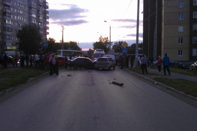 В ДТП пострадало несколько автомобилей