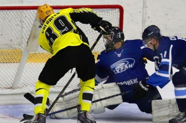 Хоккеисты «Динамо» (Балашиха) нанесли поражение «Бурану» вматче чемпионата ВХЛ