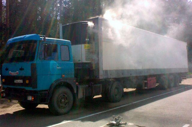 Подороге вПетербург потерялся фургон саккумуляторами на2 млн руб.