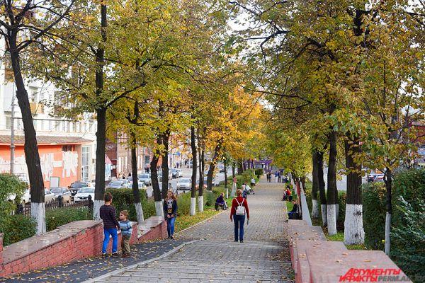 Пермские парки и аллеи приобрели живописный вид.
