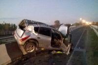 Водитель Тойоты бросил машину на месте аварии.