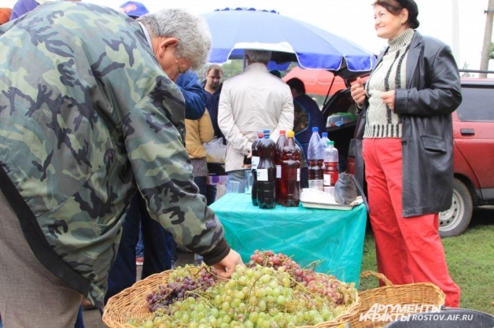 Здесь можно было продегустировать не только прекрасные вина, но и отведать блюда донской кухни