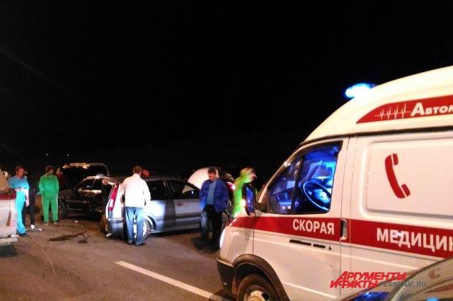 Натрассе вПрикамье лихач на Лексус протаранил 5 авто