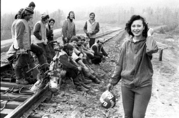 Девушки на строительстве БАМа.