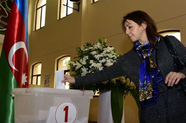 Азербайджанская милиция перешла наусиленный режим
