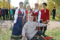И стар и млад, всем нашлось место на празднике в честь создателя «Аленького цветочка».