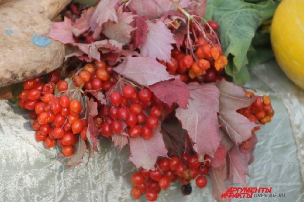 Ягоды, плоды, чего только не было на столах аксаковцев!