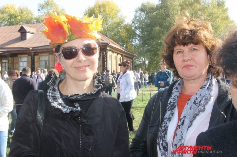 Золотая осень во всем, даже в шляпках.