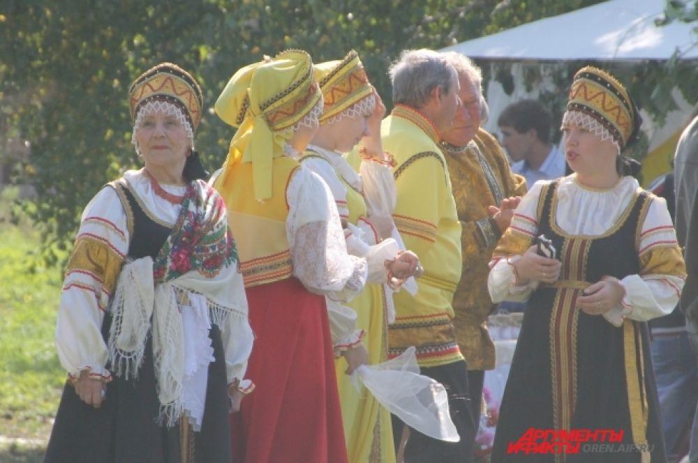 На праздник приехали коллективы нескольких районов области.