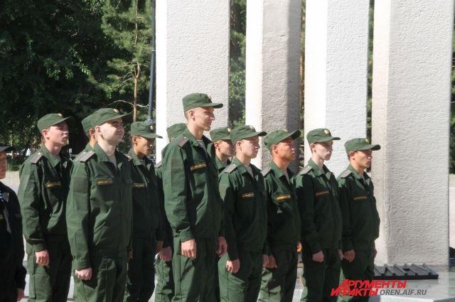 Осенью вПетербурге призовут вармию 3282 человека