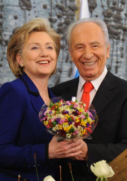 3 марта 2009 года. Хиллари Клинтон и Шимон Перес.