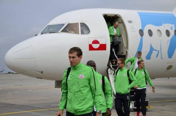 Футболисты голландской команды ПСВ прибыли на донскую землю для участия в матче Лиги чемпионов.