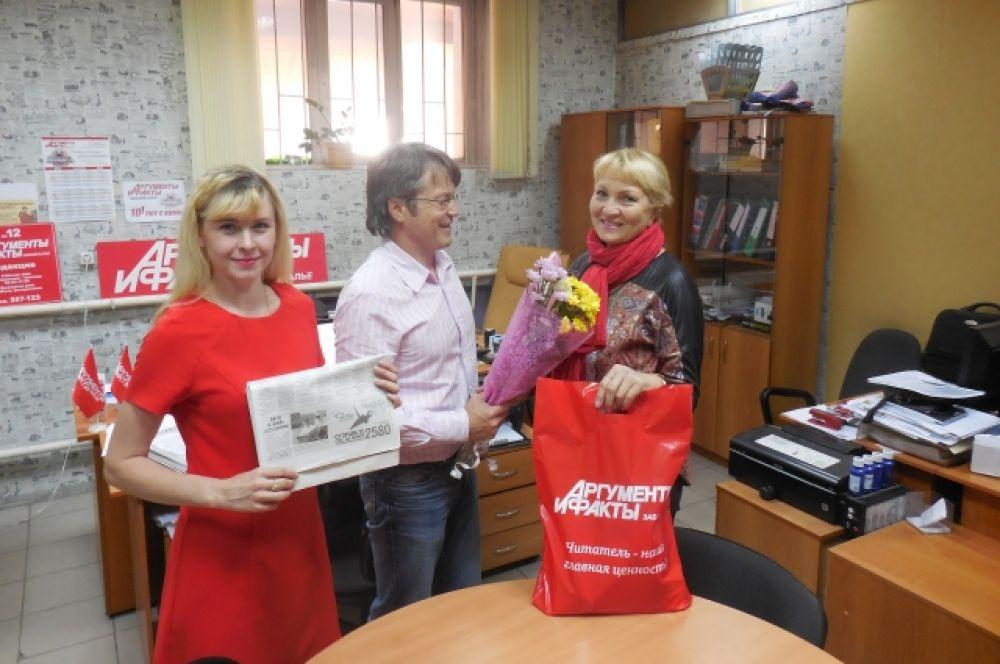 Подарок от «АиФ» Вера Черенцова пришла получить лично.