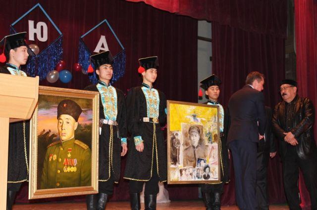 Вуз намерен собрать коллекцию картин художников разных национальностей - очевидцев сороковых.