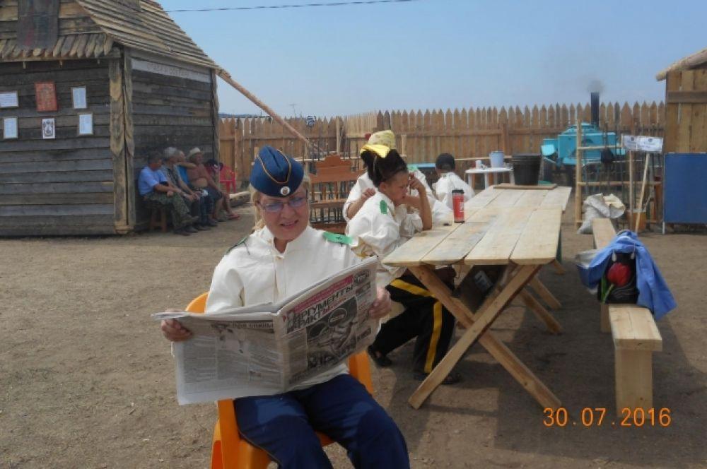 Вера Черенцова в поездку в Акшинский район взяла любимый еженедельник.
