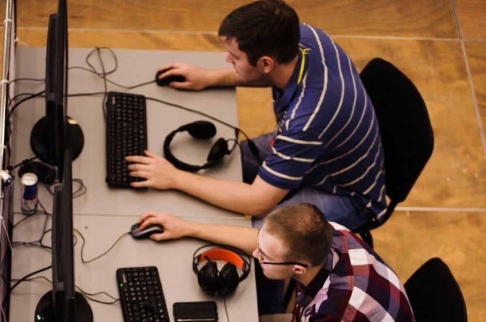 Часть заседаний и работа шли в виртуальном пространстве.