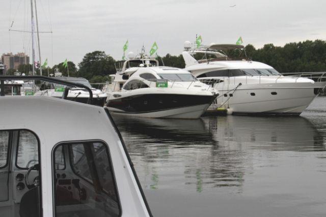 Стерритории яхт-клуба наНаличной угнали катер