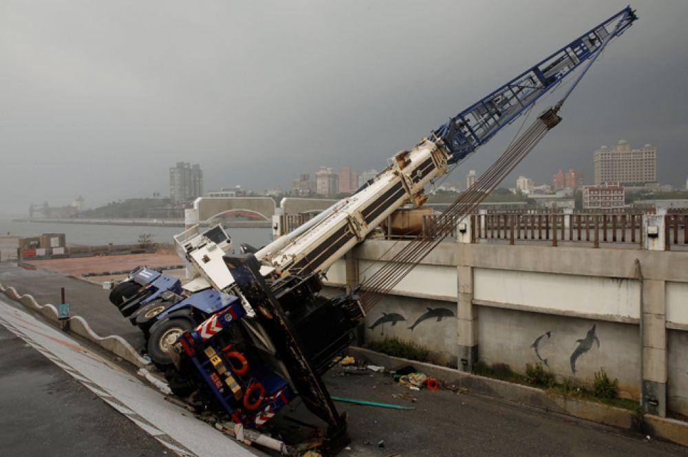 «Меги» стал семнадцатым по счету тайфуном в этом году, который обрушился на остров.