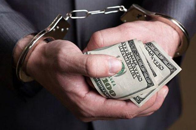 Луценко сказал озадержании обвинителя навзятке в 200 000 долларов