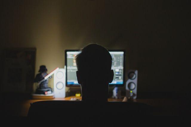 Педофил изАстрахани развращал 10-летнего ребенка поинтернету